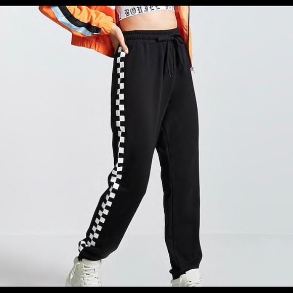 f510548f77 Forever 21 Pants | Checkered Drawstring Fleece Jogger | Poshmark